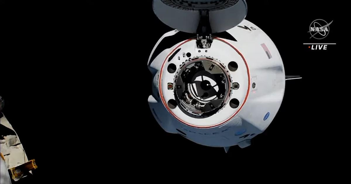 Crew-2, quattro nuovi membri di Expedition 65 sono arrivati sulla Stazione Spaziale Internazionale, replay video!