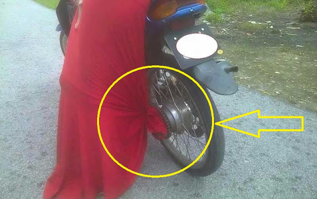 Bantu Share ya...Wanita Harus Tau ini! Hati Hati Kalau Naik Motor Pakai Rok Panjang!