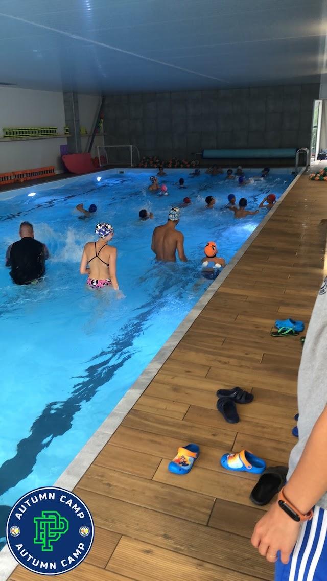 Πισίνα και κολύμπι ... είχε το πρόγραμμα του Autumn Camp των Πρωταθλητών Πεύκων  (φωτο)