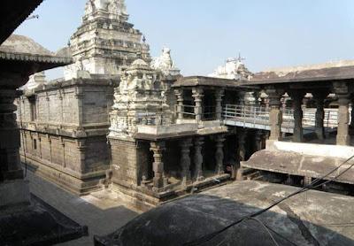 famous temples near draksharamam