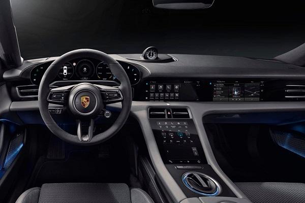 Interior Porsche Taycan Argentina