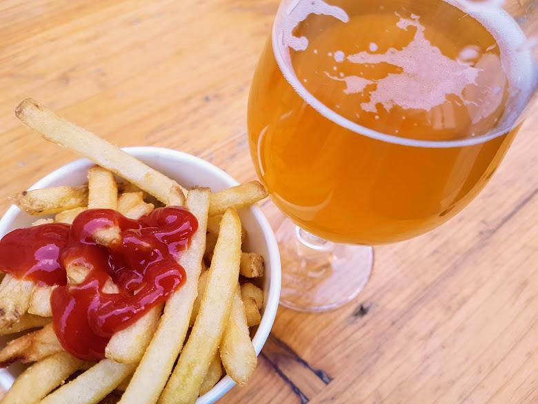 第二杯啤酒配薯條,非常微妙的組合