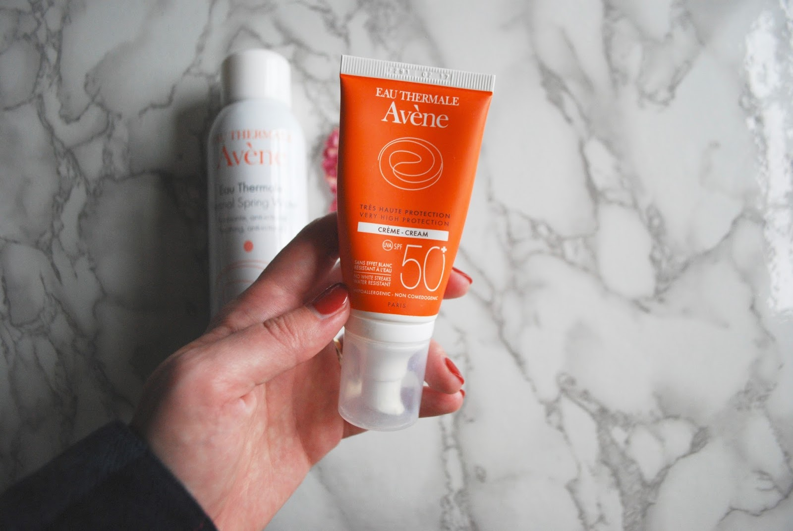 avene sunscreen and spray review