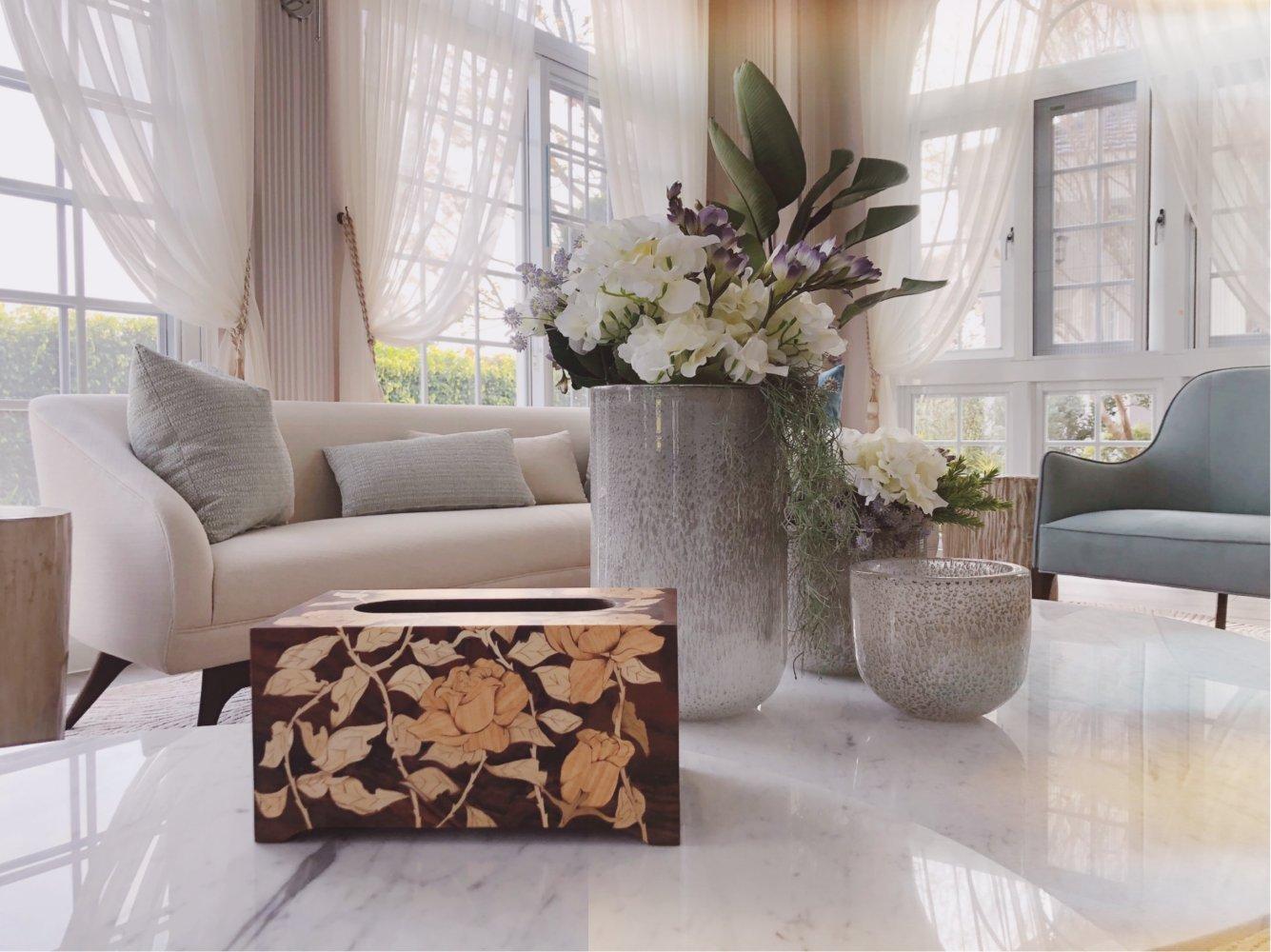 客戶用心打造心中的夢想家,希望家中擺設也要精美! 於是來木箔挑選一系列面紙盒、桌飾... 整個擺設是不是美麗又溫馨😍