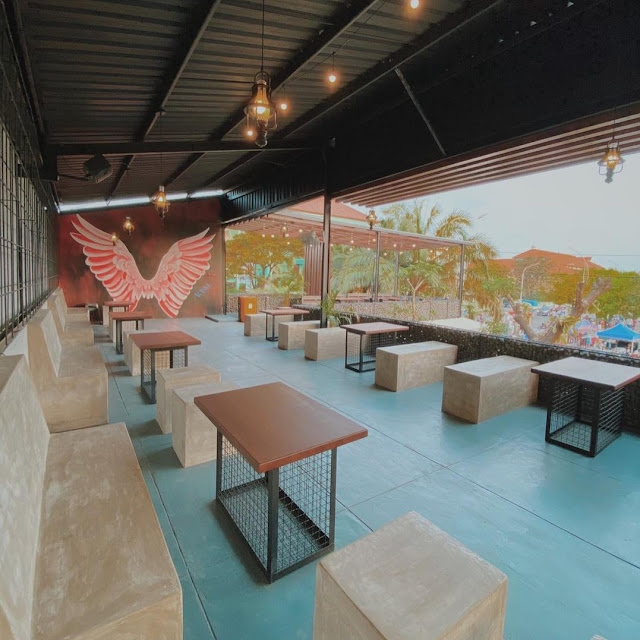V.val Cafe Surabaya