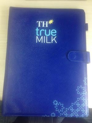 Bìa da folder TH true milk