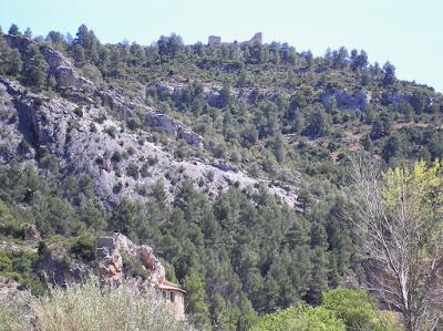 Beseit, Fortins de Cabrera, fortines de Ramón Cabrera ,desde el camino al parrizal,, fuertes de Cabrera