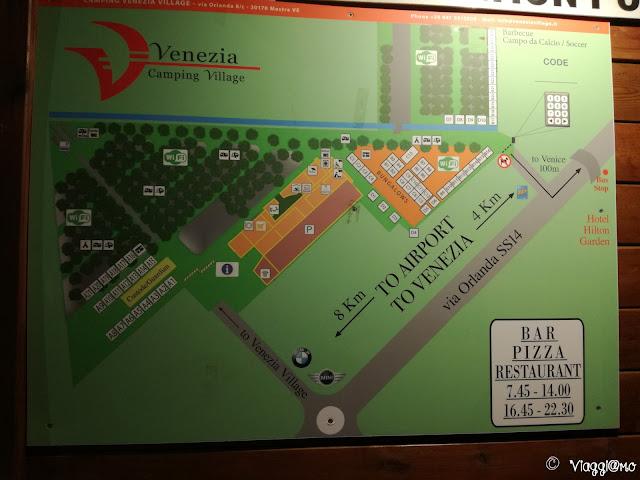 Cartello di ingresso del Camping Village