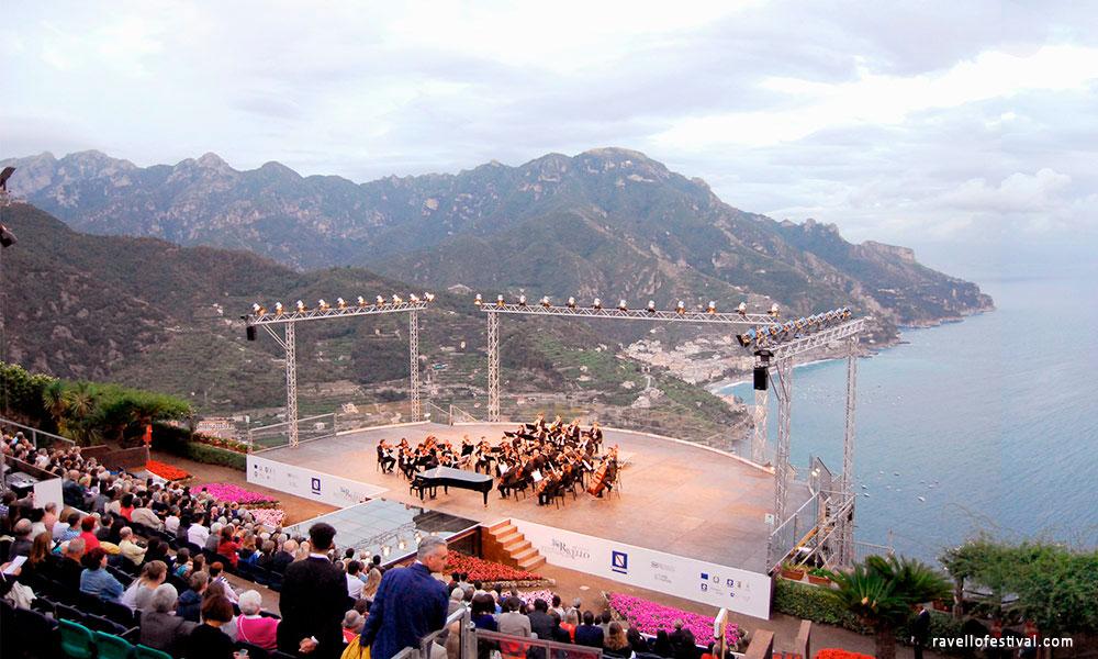 Концерт фестиваля Равелло на побережье Амальфи