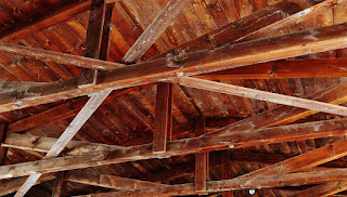 https://pixabay.com/en/ceiling-construction-wood-blanket-1529159/