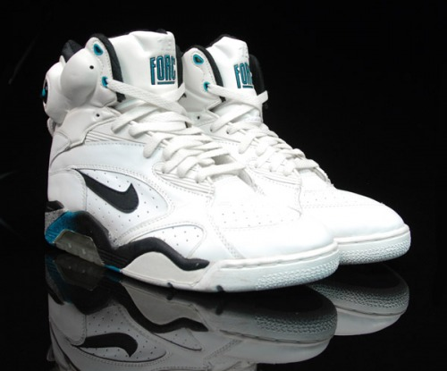 649262b53409 These were released as David Robinson s signature shoe in the late 80′s and  early 90′s (along with the Nike Air Pressure (1989) and Nike Air Command ...