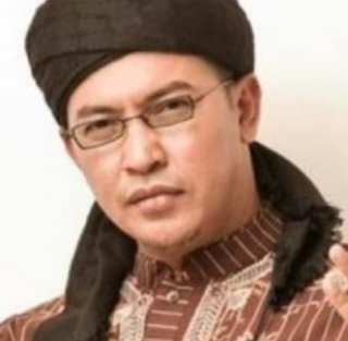 Download Lagu Ustad Jefri Al Buchori - Ayah Bunda Mp3
