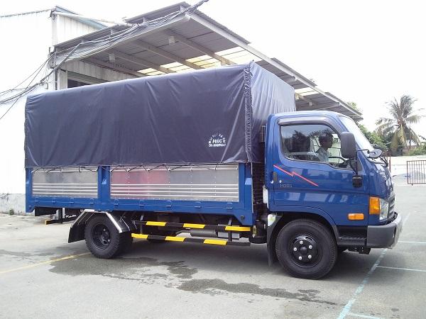 Hyundai HD65 thùng bạt