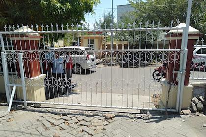Warga Passelorang Wajo Murka,  Pagar Kantor Pengadilan Pun Di Gembok