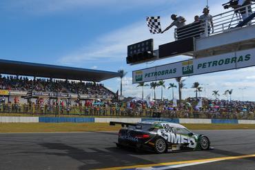 a64e193aaa7 A décima etapa da temporada 2016 dos campeonatos brasileiro e sul-americano  da Stock Car tem tudo para ser quente dentro e fora das pistas. Goiânia ...