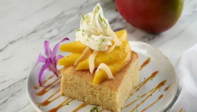 Pastel de mango tailandés