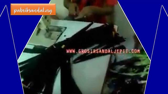 Pabrik Sandal Jepit Tersohor dan Terbesar di Jawa Barat, INDONESIA
