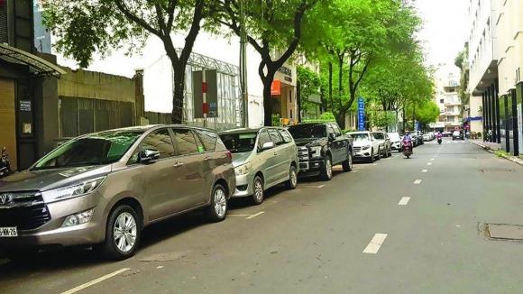 TP.HCM: Kỳ lạ thu tiền gửi xe lỗ gần 700 triệu/tháng