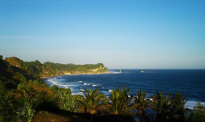 Pantai Nampu, Berlian Tersembunyi di Pojok Jawa Tengah dan Timur
