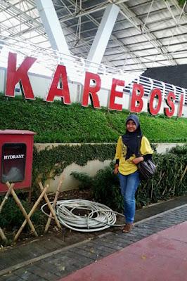 hijaber cantik di makassar doyan travelling Wahyuni K Putri