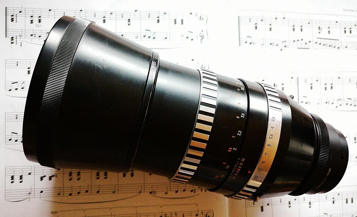 #079 Sonnar f2.8 180mm – Ein Objektiv wird an verschiedenen Kameras erporbt
