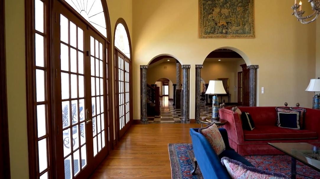 27 Photos vs. 1208 Rockcliff Rd, Austin, TX Interior Design Luxury Mansion Tour