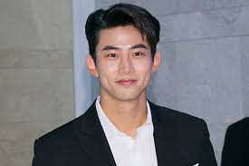 7 Aktor Tampan yang Comeback Drama Korea 2020 Usai Wajib Militer. The Zhemwel
