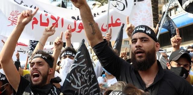 Khawatir Terjadi Kerusuhan, Pihak Keamanan Lebanon Pukul Mundur Demonstran Anti-Prancis