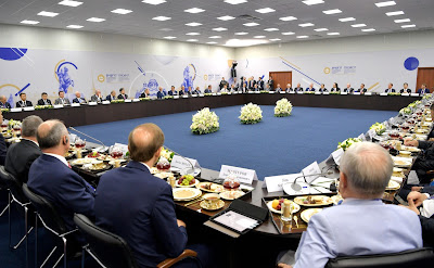 Meeting with heads of major foreign companies.