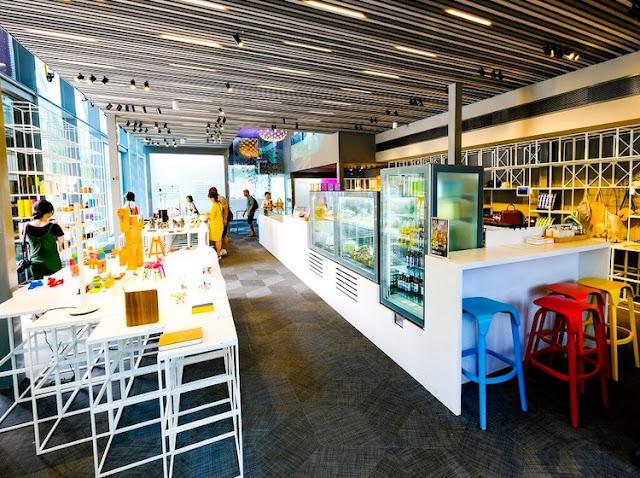 đi singapore nên mua gì - Giới thiệu quán cà phê tại Bảo tàng Thiết kế Red Dot Singapore