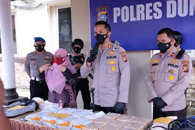 Bhayangkara Ke - 75 Beri kejutan, Sat Narkoba Polres Dumai berhasil mengungkap peredaran Narkotika Bukan Tanaman Jenis Shabu seberat 17 Kilogram