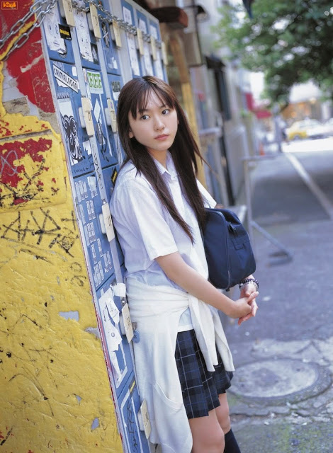 Yui Aragaki - Japanese girl school uniform