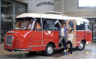 http://1.bp.blogspot.com/-QnbfG9DaO1I/TzJ1tYwFuEI/AAAAAAAAAfM/nxWOG6QH5EE/s320/camping-car+Mifaka+Wolfgang+Wagner+a+achet%C3%A9+en+1962.jpg