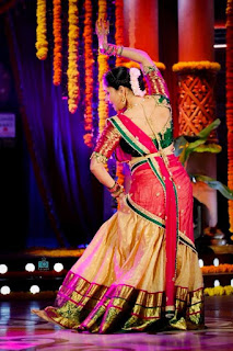 Telugu Television Actress Anasuya Latest Picture shoot In red lehenga Choli (1)