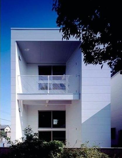 model rumah minimalis sederhana dengan bahan material dan satu warna cat putih