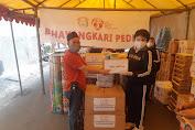 Isteri Kapolda Metro Jaya Turut Beri Bantuan Kepada Korban Kebakaran Duri Selatan