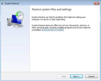 """Setelah mengketik """"rstrui.exe"""" nanti akan muncul tulisan """"Restore system files and settings"""", silakan kaliak klik Next saja"""