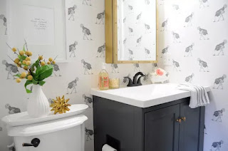 10 Pretty Powder Rooms