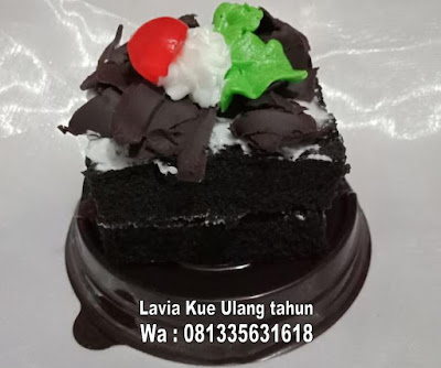 Mini blackforest kue ulang tahun yang menggoda iman