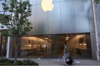 آبل تقرر إغلاق محلاتها Apple Store على خلفية الاحتجاجات في الولايات المتحدة الأمريكية
