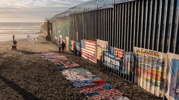 BIDEN blocca la costruzione del muro in Messico