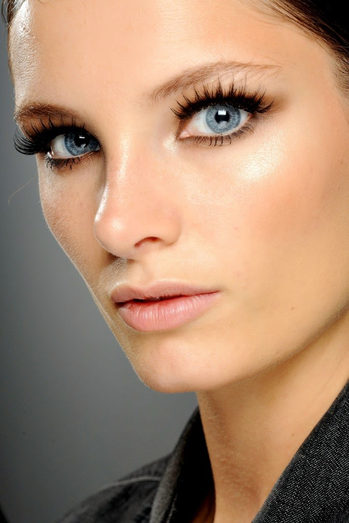 Fall-2014-Makeup-Trends-Big-Lashes