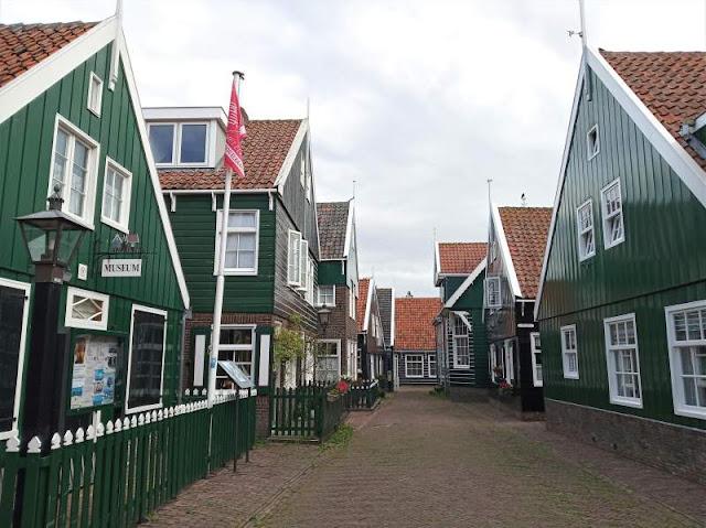 la via dove si trova il museo di Marken