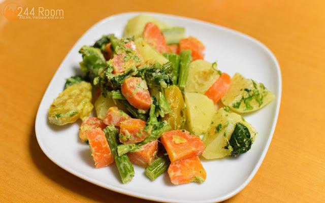 温野菜マヨネーズ和え Hot vegetables with mayonnaise