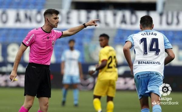 El Málaga ve como un pésimo arbitraje de Moreno Aragón le vuelve a perjudicar