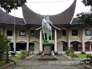 Mampir Sejenak Ke Museum Bonjol di Titik Khatulistiwa Pasaman - Sumatera Barat