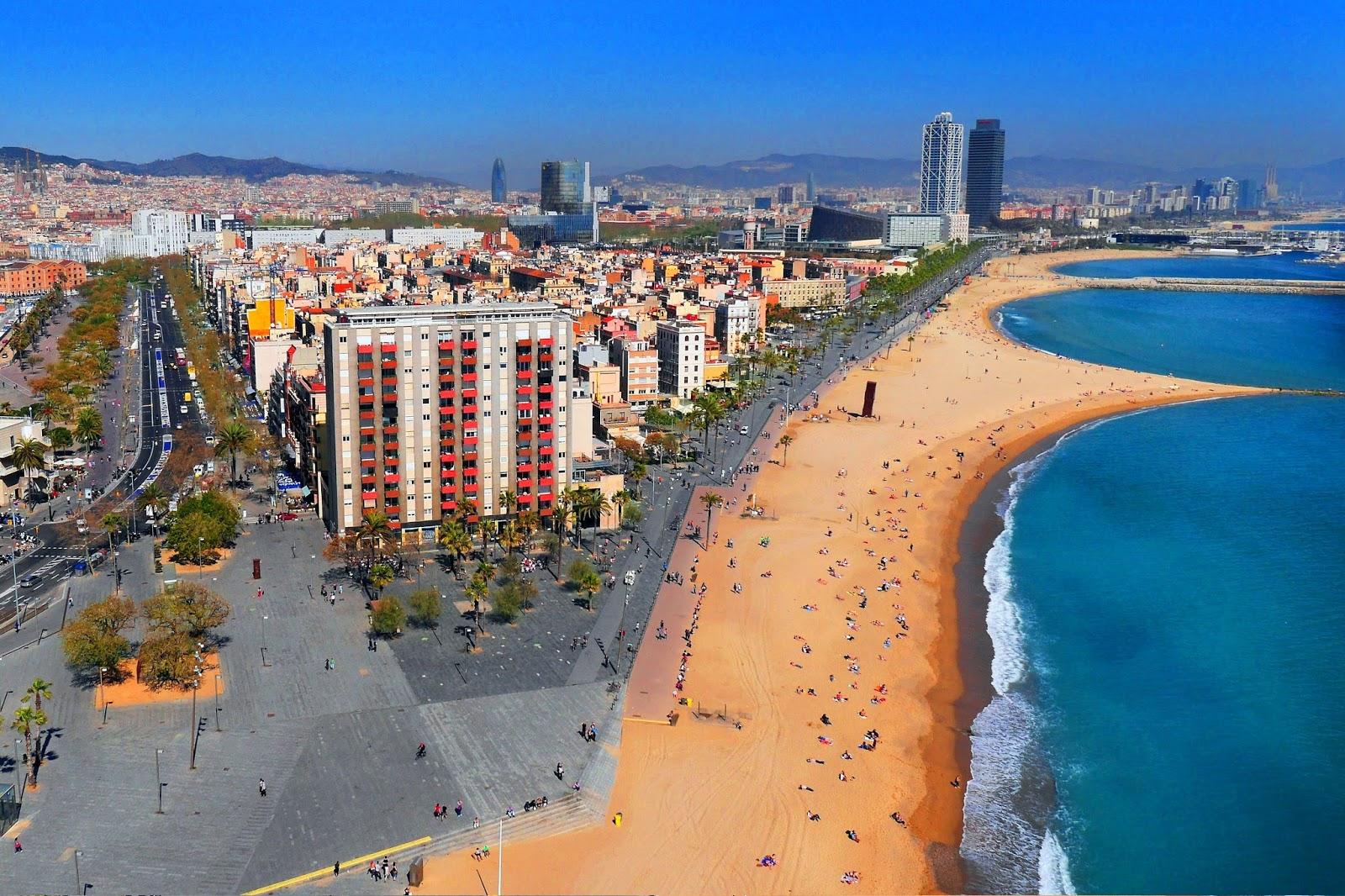 Urbina Vinos Blog: Playa de la Barceloneta, Puerto, y Monumento a Colón