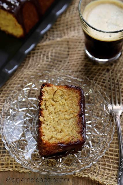 cake sans farine , noix de coco , poudre d'amandes , ganache chocolat