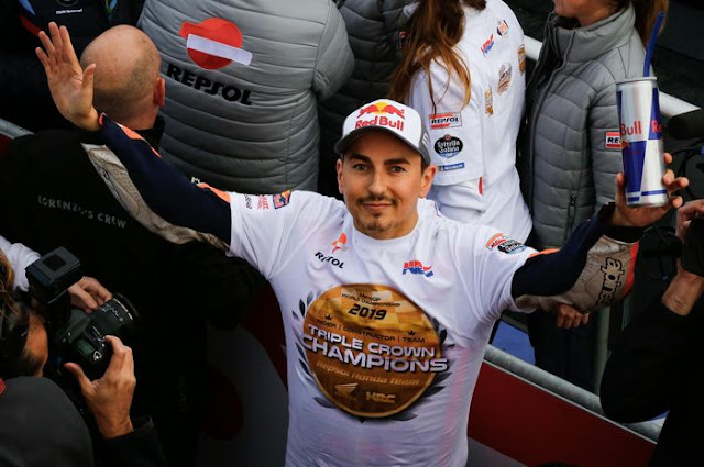 Lorenzo's poor performance with Repsol Honda makes the MotoGP legend concerned