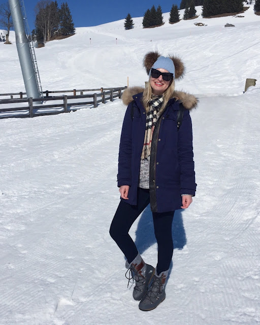 troy London parka, moon boots,  Kitzbühel winter holiday, skiing